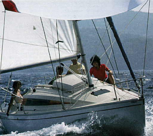 First 24 - Bénéteau (sailboat)