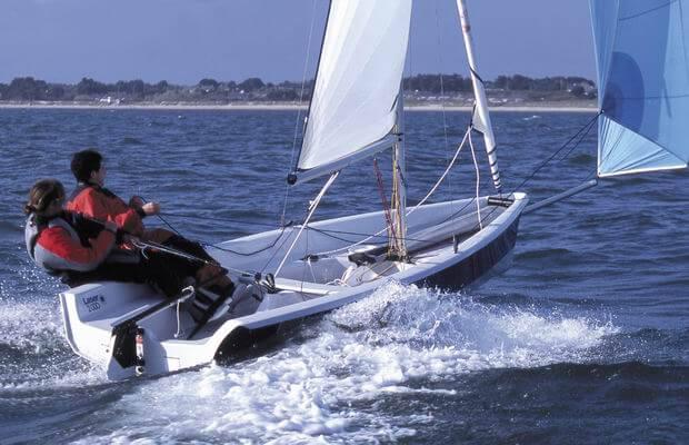 Laser 2000 - Laser Performance (sailboat)
