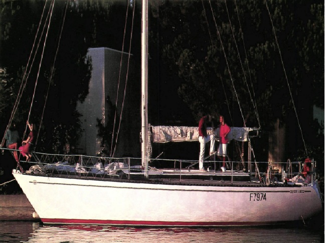 Dufour A9000 (sailboat)