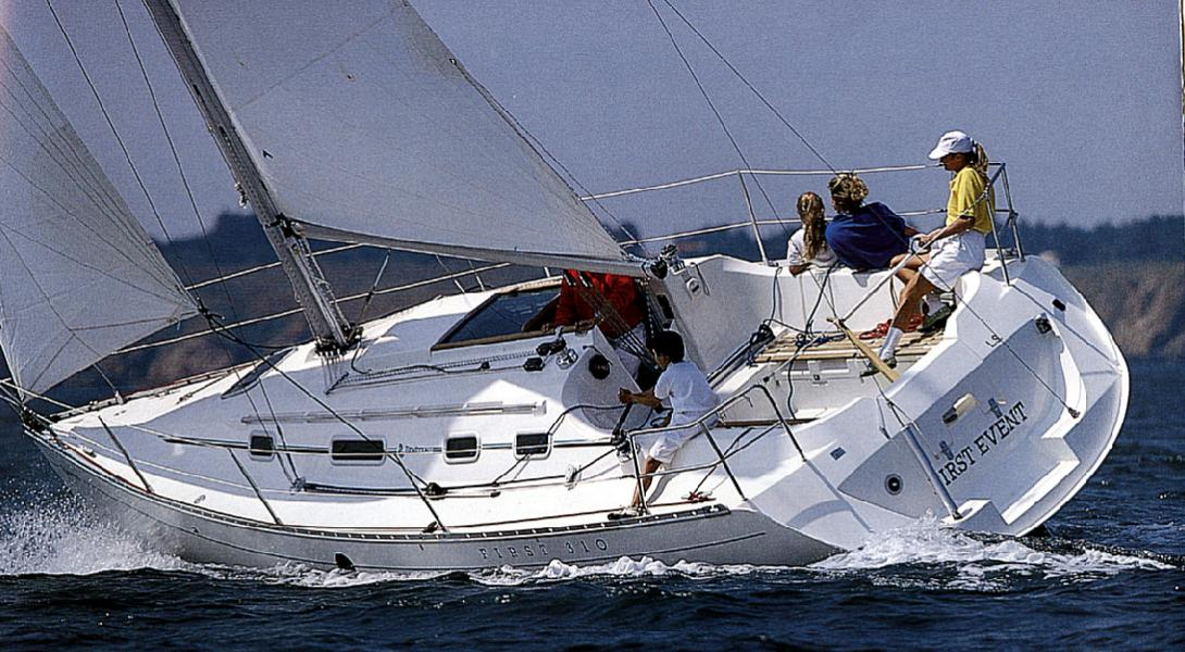 First 310 - Bénéteau (sailboat)