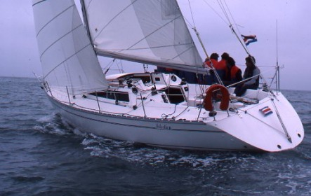 Selection 37 - Jeanneau (sailboat)