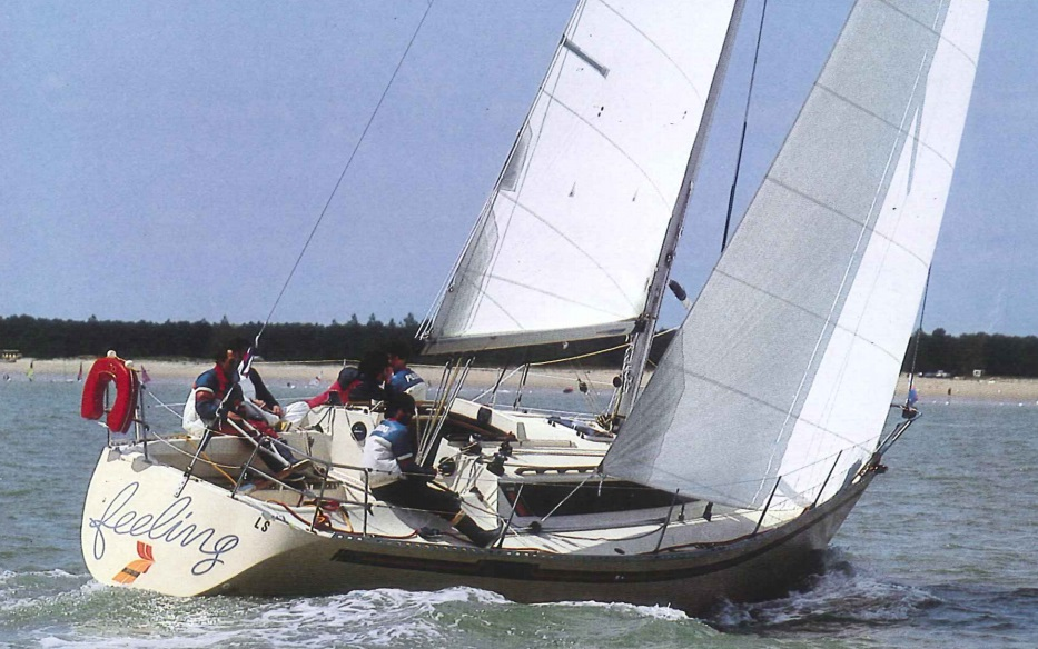 Feeling 1100 / Elite 37 - Kirié (sailboat)